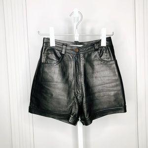 VINTAGE | Genuine Leather Black High Waisted Short